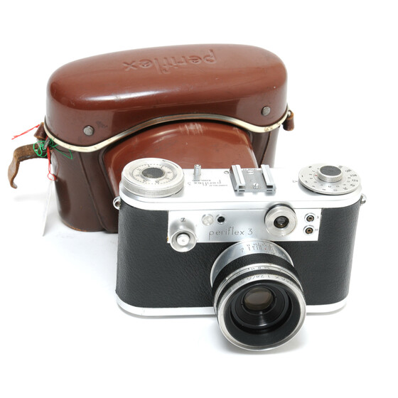 Corfield Periflex 3 England camera with Lumax 2.8/45mm lens and case