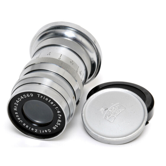 Carl Zeiss Jena Triotar 4/8,5cm lens early version chrome for Contax II  w. caps