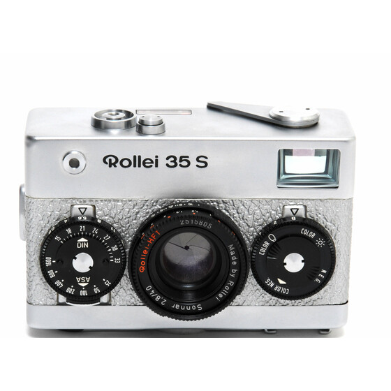 Rollei 35 S camera silver colored leather w. Rollei HFT Sonnar 2.8/40mm lens