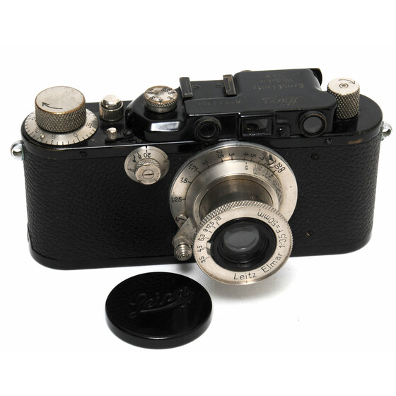 Vintage Leica III camera black body w. Elmar 3,5/50mm full working