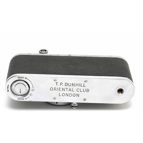 Leica Standard camera w. Leitz Elmar 3,5/5cm and Dunhill Oriental Club London engraving
